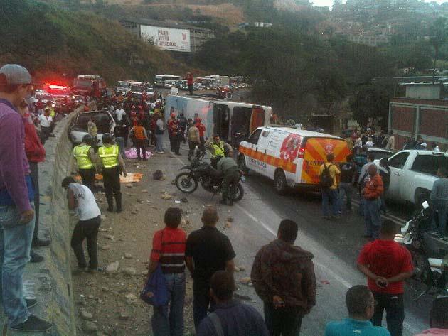 Foto horror en la bajada de taz n 2 muertos y 20 Numero telefonico del ministerio del interior